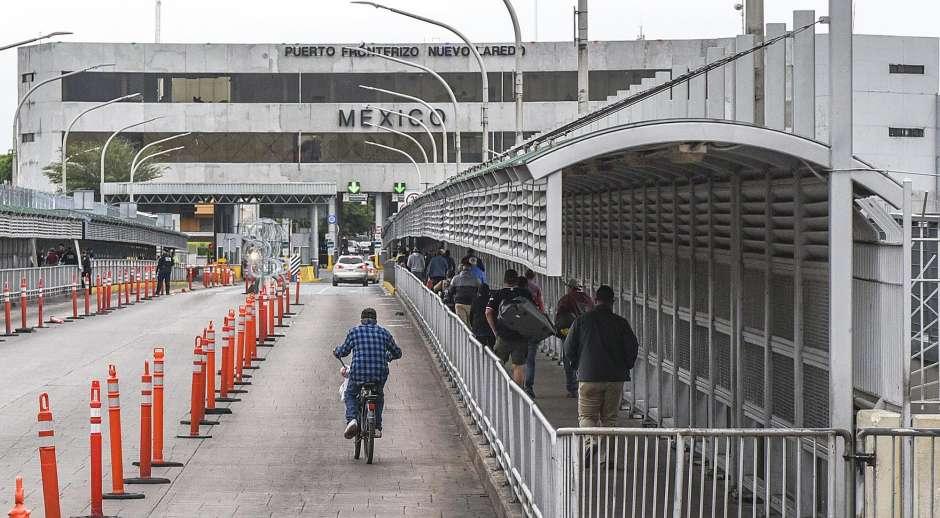 Las restricciones de viaje afectan profundamente los negocios en la frontera entre Estados Unidos y México