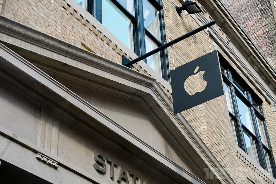 Apple just temporarily closed all 53 stores in California and over a dozen in London