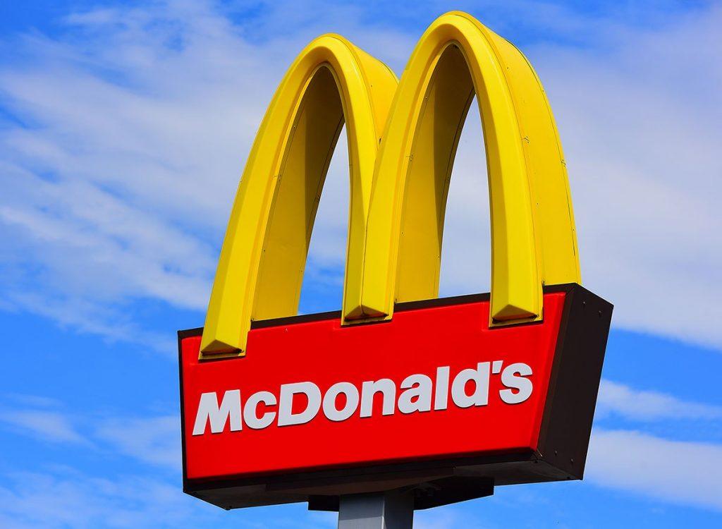 McDonald's Chile erradicará colorantes y saborizantes artificiales de la Cajita Feliz